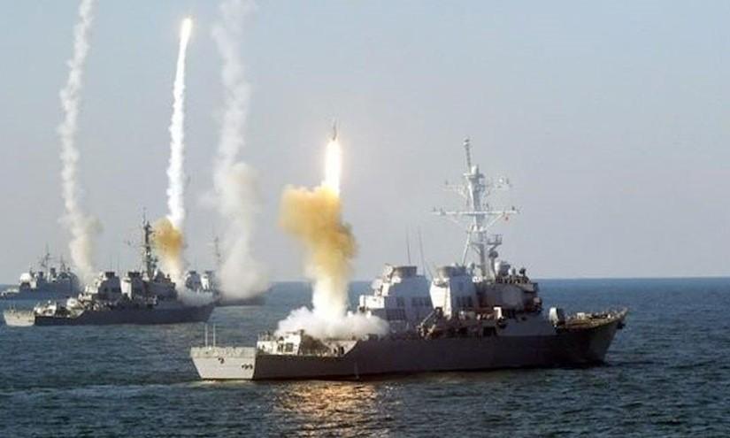 Syrie : Attaques de missiles Russes : 30 officiers israéliens, brits, turcs, saudis et qataris tués… Riposte Russe à la «bavure» US de Deir ez-Zor?