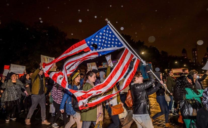 Vers un hiver Américain ? Des manifestants anti-Trump payés par des associations proches d'Hillary Clinton et GeorgesSoros
