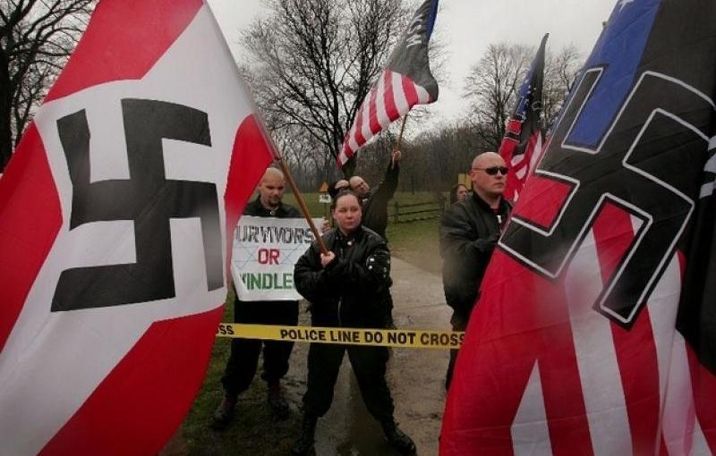 Des jeunes hommes blancs se radicalisent. Il est temps d'enparler